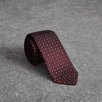 Burberry Slim Cut Geometric Silk Jacquard Tie