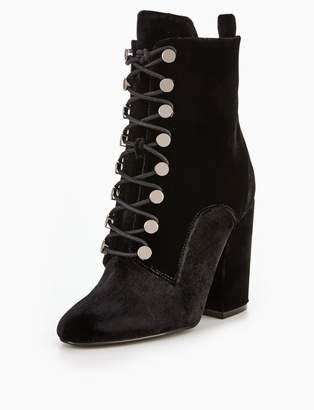 KENDALL + KYLIE Kendall & Kylie bridget lace up ankle boot
