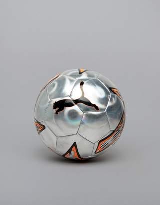 Puma Soccer One Laser Ball In White 082976-01
