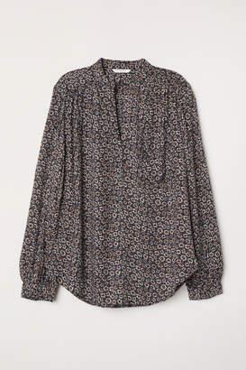 H&M V-neck Blouse - Black