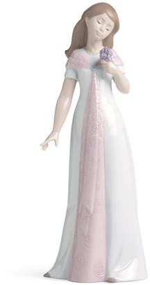 Nao by Lladro Elegant Pose Collectible Figurine