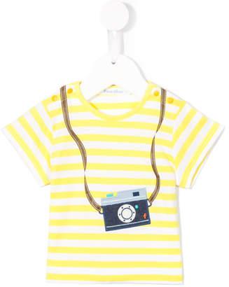 Familiar appliqué camera T-shirt