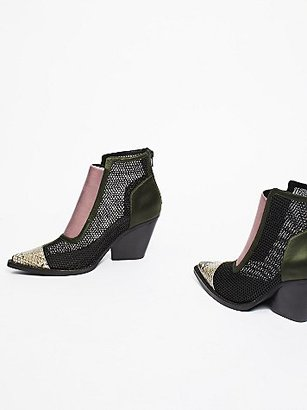 Brinkley Ankle Boot by Jeffrey Campbell at Free People $178 thestylecure.com