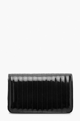 boohoo Vinyl Quilted Cross Body Bag & Chain