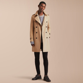 Burberry The Sandringham - Long Heritage Trench Coat , Size: 44, Yellow