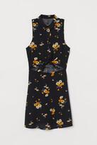 H&M Sleeveless viscose dress