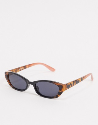 Jeepers Peepers slim angled sunglasses in brown tort to black fade