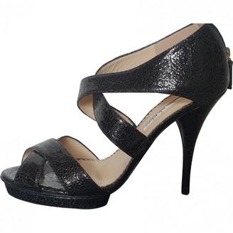 Oscar de la Renta Black Patent leather Heels