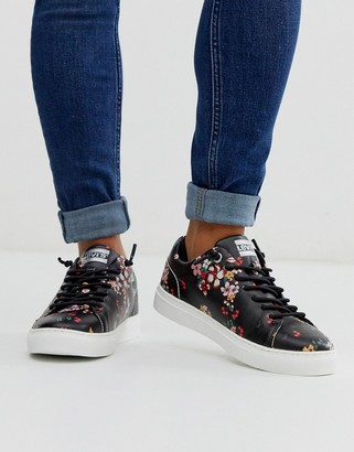 Levi's lace up trainer in ditsy floral print