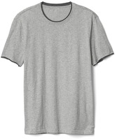 Essential double-hem crewneck tee