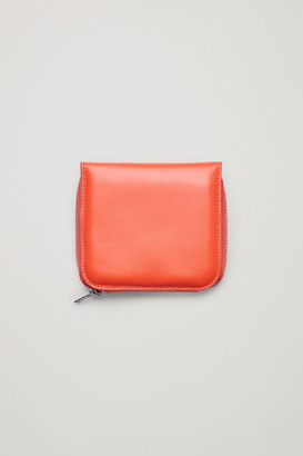 Cos Zipped Leather Wallet