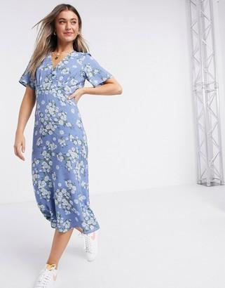 New Look v neck midi dress in blue floral print
