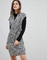 Liquorish Cap Sleeve Animal Print Dress With D-Ring And Attached Belt