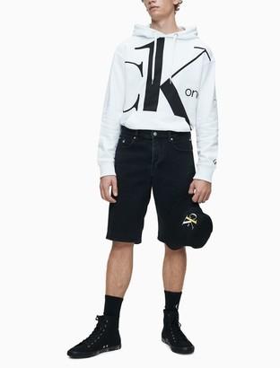 Calvin Klein ONE Logo Graphic Regular Fit Long Sleeve Hoodie