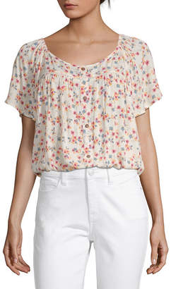 Arizona Juniors Womens Scoop Neck Short Sleeve Blouse