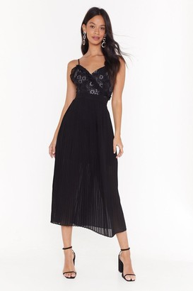 Nasty Gal Womens Pleat Me Halfway Lace Midi Dress - Black - 8