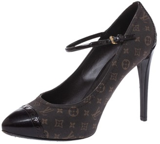 Louis Vuitton Brown Mini Lin Monogram Canvas And Patent Mary Jane Pumps Size 37