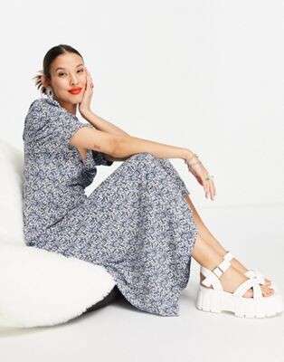 Only midi tea dress in blue and white floral print