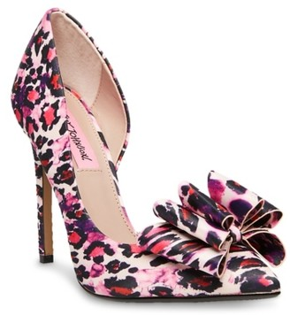 Betsey Johnson Prince Pump