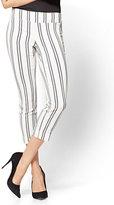 New York & Co. 7th Avenue Pant - Pull-On Crop - Legging - Stripe