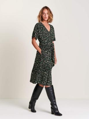 Bellerose Hoek Leopard Dress In Green - M