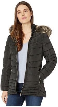 YMI Jeanswear Snobbish Reversible Camo Polyfill Jacket w/ Faux Fur Trim Hood (Black) Women's Clothing