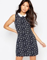 Yumi Ditsy Floral Shift Dress With Contrast Collar