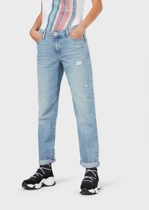 Emporio Armani J15 Relaxed-Fit Cropped Jeans With A Vintage Effect