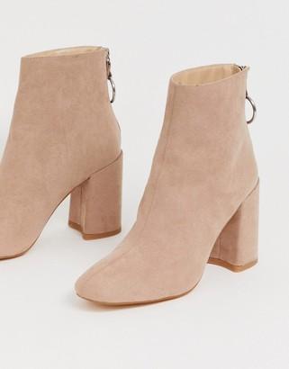 London Rebel high block heel boots in mink-Beige