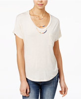 Belle Du Jour Juniors' V-Neck High-Low T-Shirt with Necklace