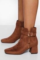 Thumbnail for your product : boohoo Wide Fit Zip Block Heel Boot