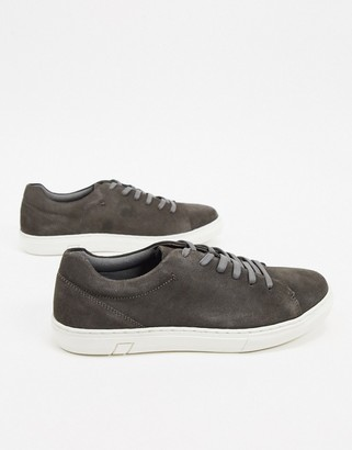Silver Street trainer in grey suede