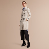 Burberry The Chelsea - Long Heritage Trench Coat , Size: 04, Beige