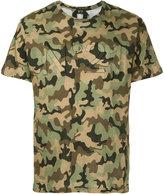 No.21 camouflage print T-shirt