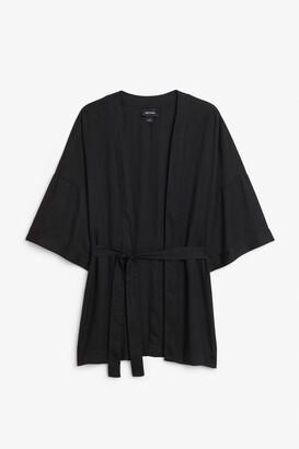 Monki Short kimono blouse