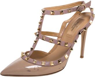 Valentino Beige Patent And Leather Rockstud Strappy Pointed Toe Sandals Size 39