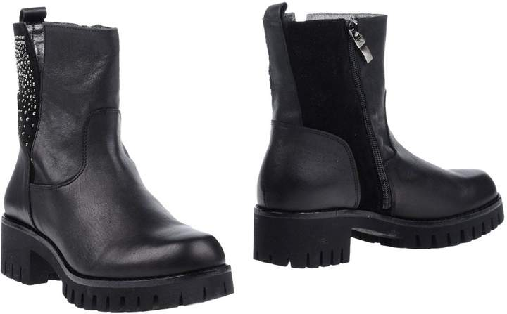 Andrea Morelli Ankle boots - Item 11248504WG