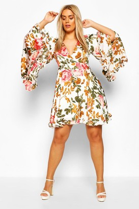 boohoo Plus Floral Wide Sleeve Skater Dress