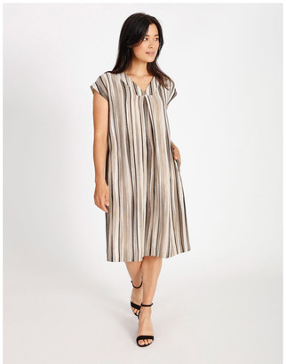 Regatta Etched Extended Short Sleeve Dress With Front & Back V Neck With Tuck