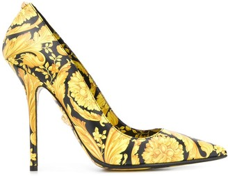 Versace Barocco print pumps