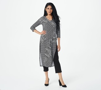 Women With Control Petite Printed Tunic with Crop Pants Set