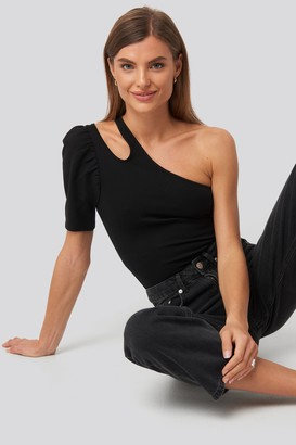 NA-KD Cut Out One Shoulder Top