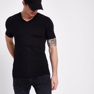 River Island Mens Black muscle fit V neck T-shirt