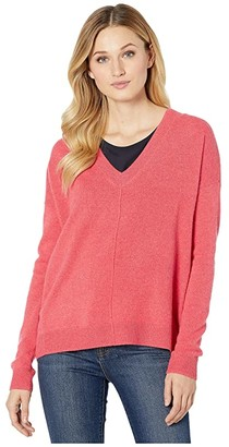 Elliott Lauren 100% Cashmere V-Neck Sweater with Princess Seams (Coral) Women's Clothing