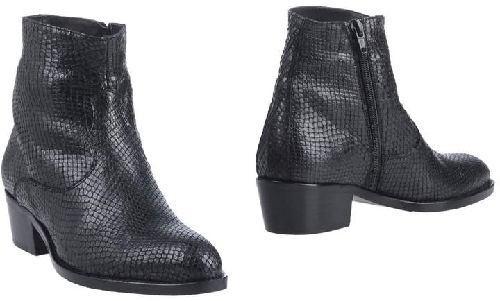 Alexander Hotto Ankle boots - Item 11315453RD