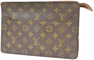 Louis Vuitton Brown Leather Clutch bags
