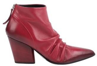 Halmanera Ankle boots