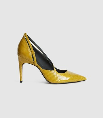 Reiss Geniveve - Snakeskin Court Shoes in Chartreuse