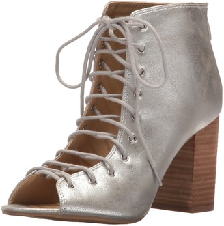 Chinese Laundry Women's Beckie Ankle Bootie