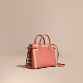 Burberry The Medium Banner in Leather with Tonal Appliqué